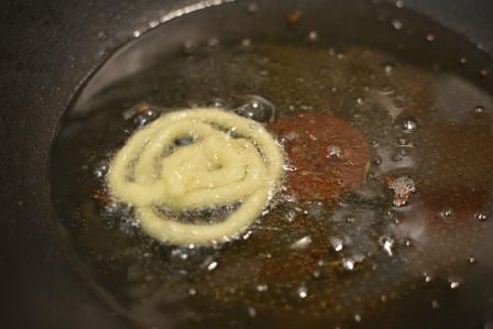 Instant crunchy jalebi step 11