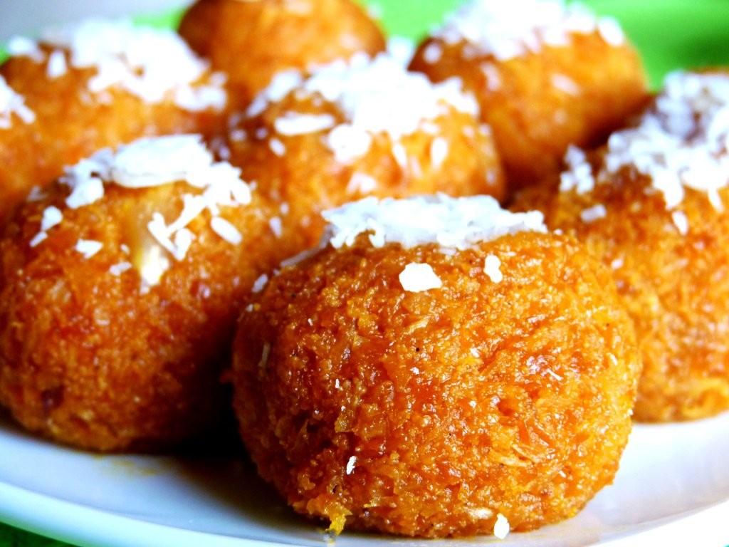 https://rachnas-kitchen.com/carrot-laddu-carrot-coconut-truffles/