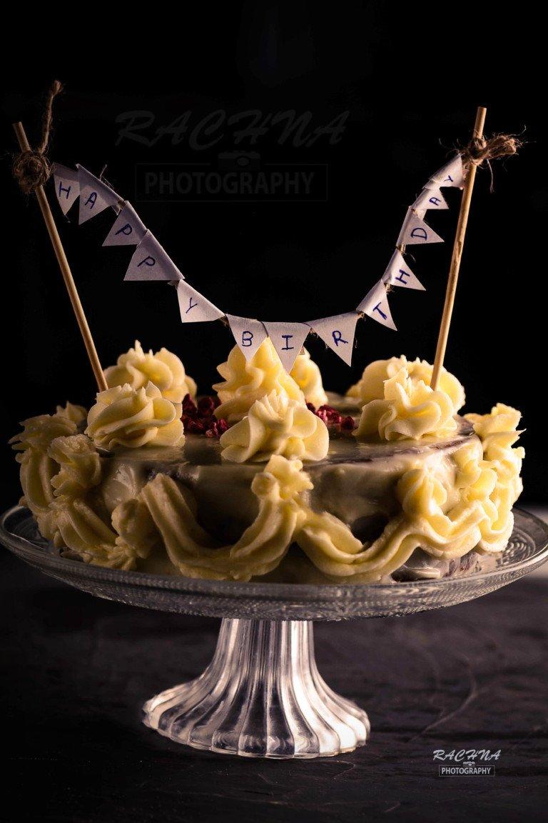 Best eggless red velvet cake with cream
